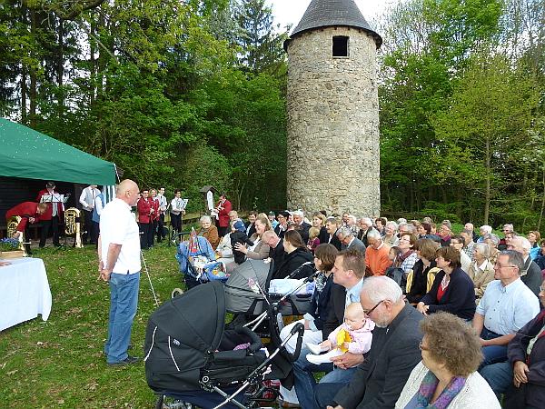 2013_Wartefest Eröffnung am Turm mit W. Geislerklein